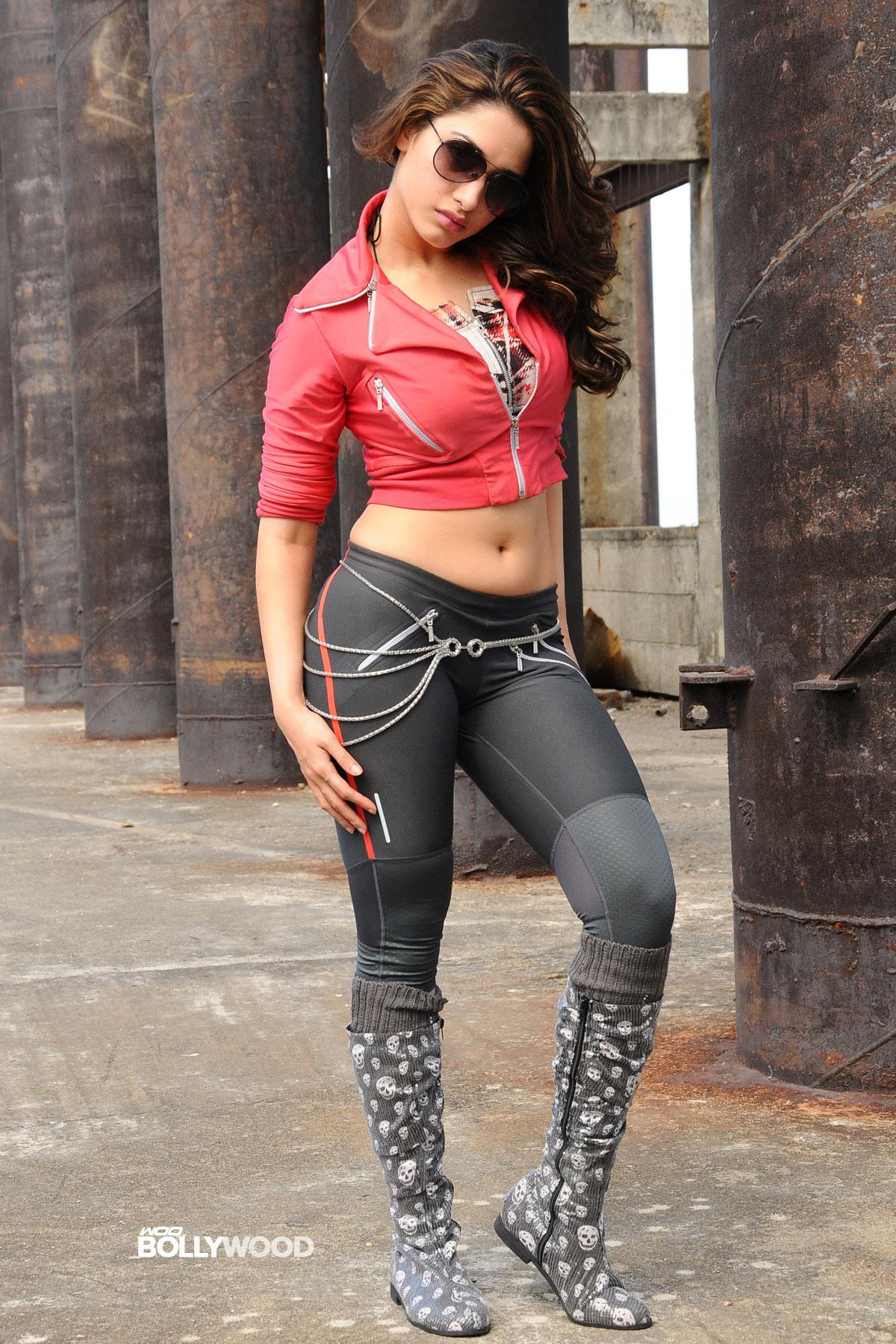 Tamanna Bhatia Sexy Stills 04